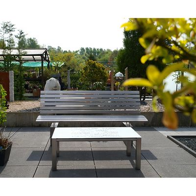 Individuelle Anfertigung von Gartenmöbeln aus Edelstahl, Bank mit Tisch