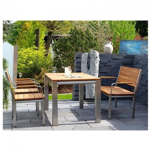 Gartenmöbel aus Edelstahl und Teakholz